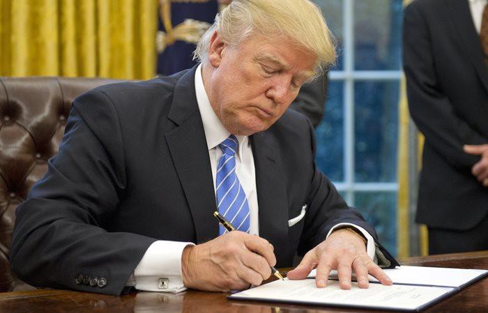 Trump, vergi reformunu çarşamba günü imzalayabilir