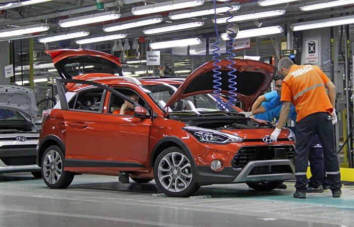 Otomobilde fiyatlar arttı, satışlarda daralma bekleniyor