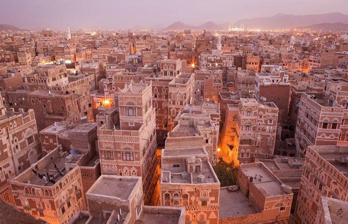 Yemen'de televizyon kanalı basıldı, haber siteleri kapatıldı
