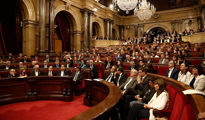 6 eski Katalan bakan serbest bırakıldı