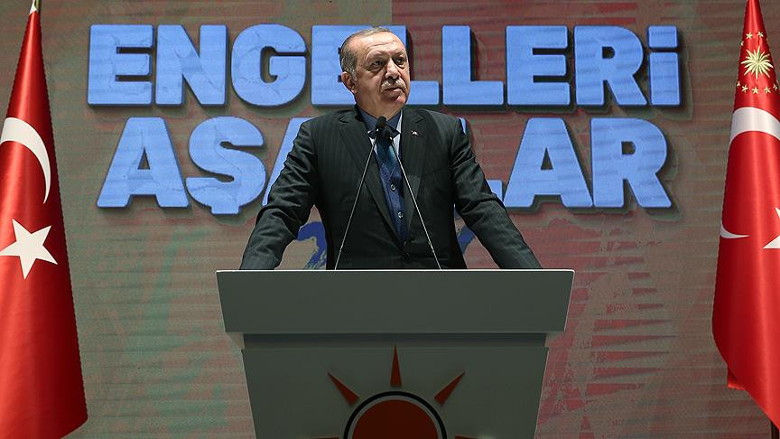 Erdoğan: İsteyen herkesin yurtdışına parasını çıkarma hakkı var