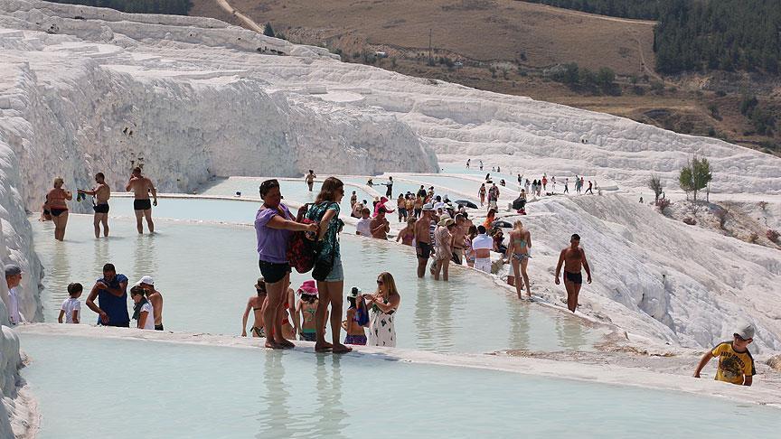Turist sayısı yüzde 18,10 arttı