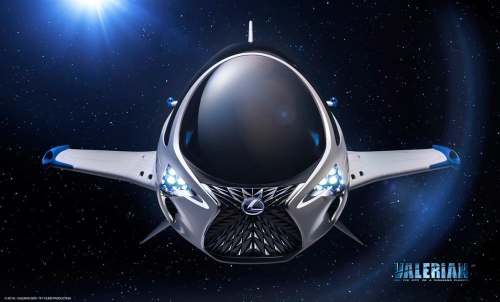 Lexus, uzay aracını gösterdi