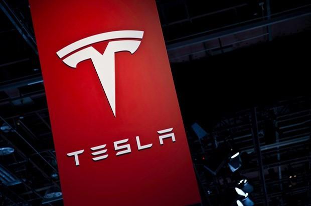 Tesla'nın SUV'u göründü