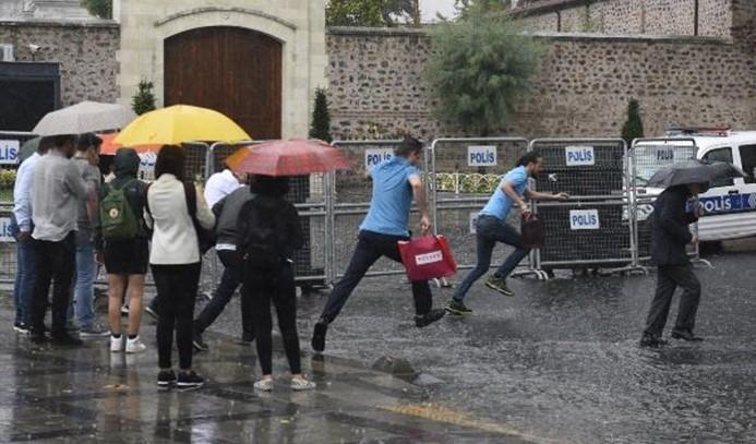 İstanbul sağanak yağışa teslim!