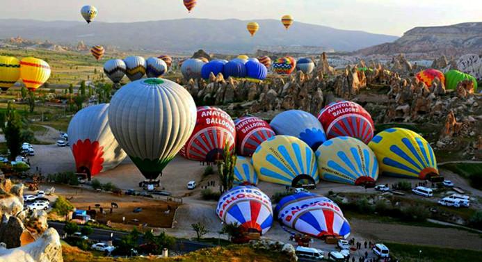 Kapadokya turizmini balonlar