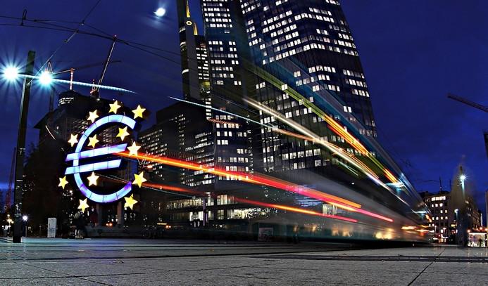ECB büyüme tahminini yükseltti