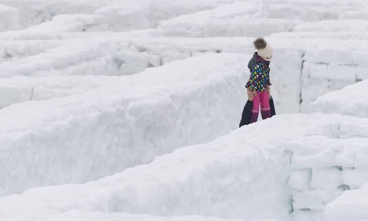 Dünyanın en büyük kar labirenti