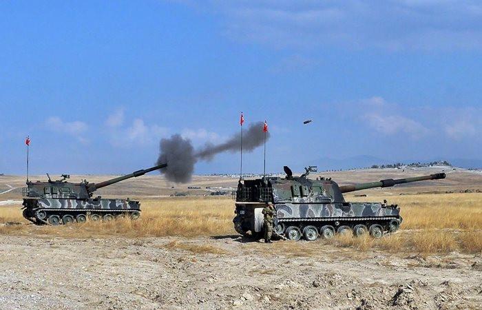 Afrin'e topçu atışları yoğunlaştı