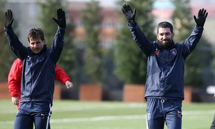Arda Turan, Medipol Başakşehir ile ilk antrenmanına çıktı