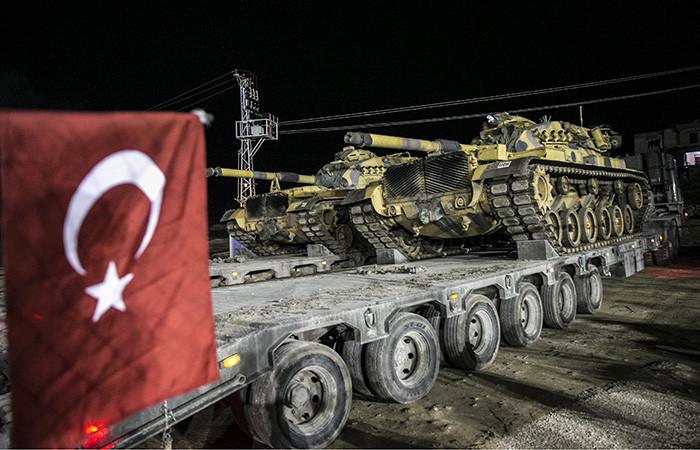 Tanklar sınırı geçti