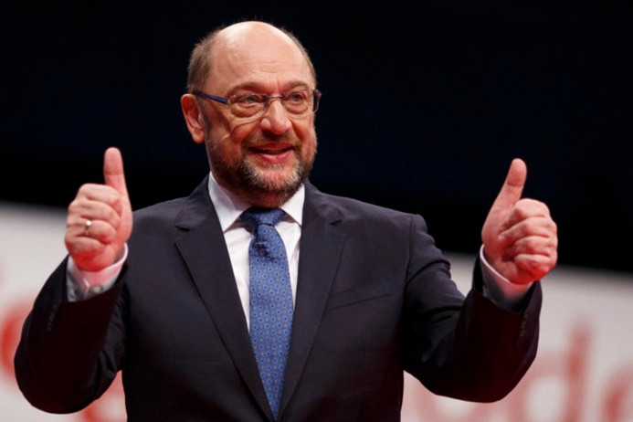 Almanya'da, Sosyal Demokrat Parti'den koalisyona onay