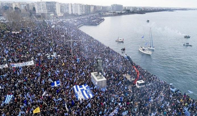 Komşu'da 'Makedonya' isyanı