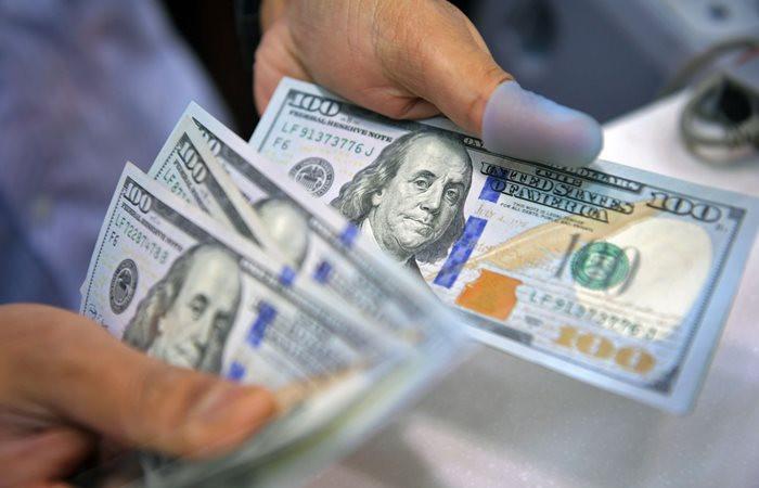 Dolar sakin, TCMB tutanakları bekleniyor