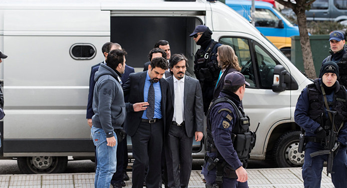 Yunan Bakan: Türk askerler Yunanistan'da yargılanabilir