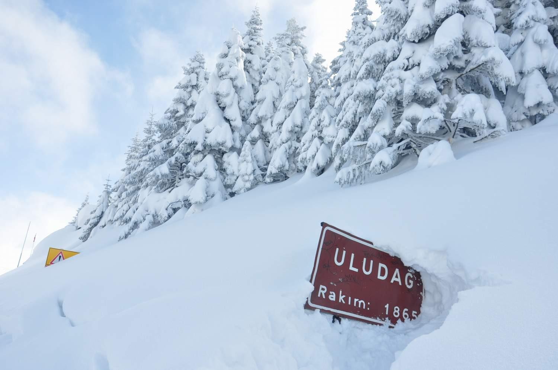 Uludağ'da kar kalınlığı bir metreye yaklaştı