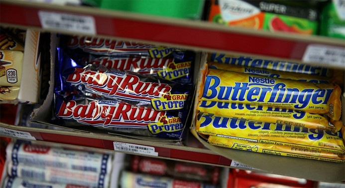 İki dev şirket, Nestle'nin şekerleme endüstrisine talip