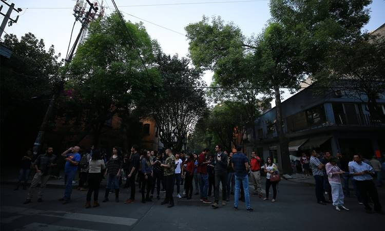 Картинки по запросу Meksika'da 7,5 büyüklüğünde deprem