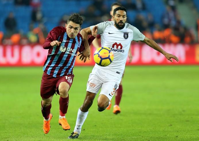 Başakşehir'den tek golle 3 puan