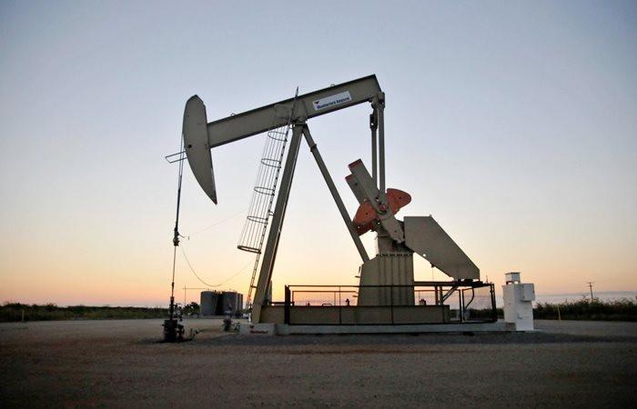 ABD'nin üretimi petrol fiyatlarını baskılıyor