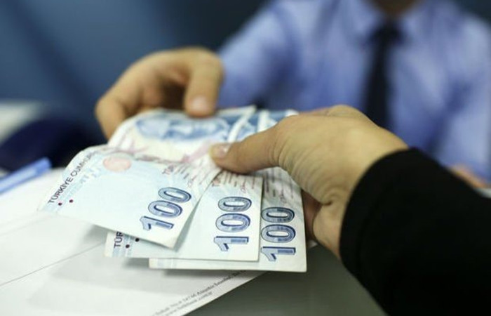Bankacılıkta kredi hacmi 2.6 milyar lira geriledi