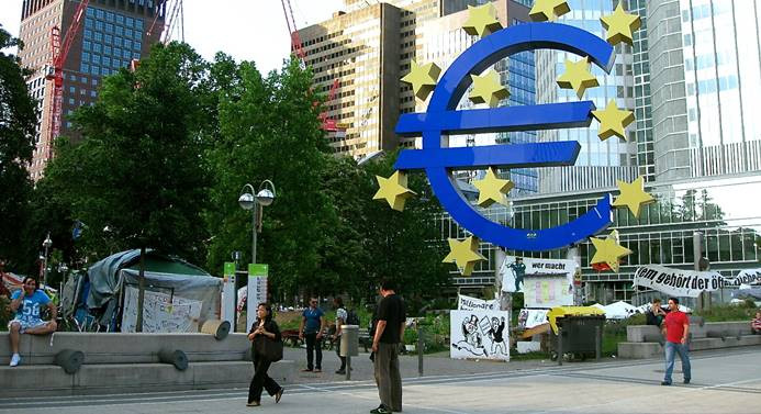ECB enflasyon hedefine uzak