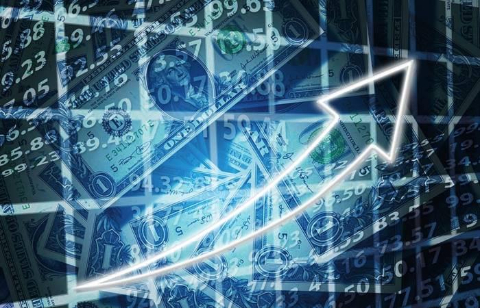 Dolar, ilk kez 4 lirayı aştı!
