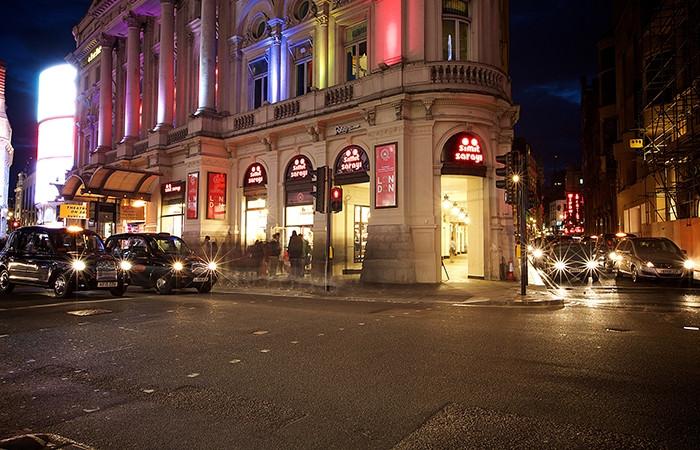 Türk markası Londra'da 100 mağazaya koşuyor