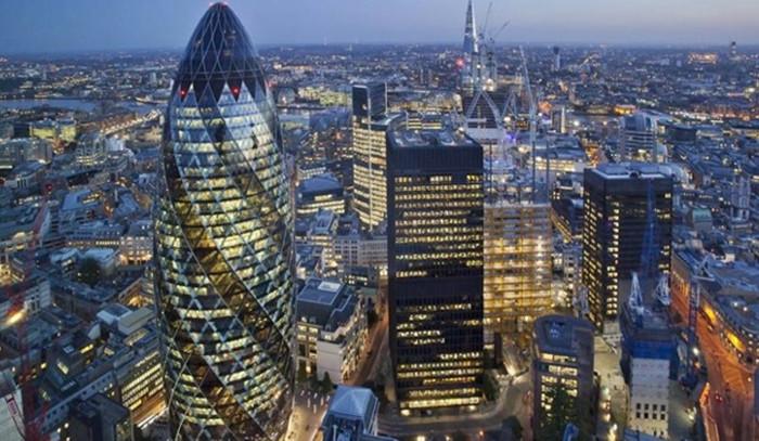 Brexit'e rağmen Londra 'finans'ın zirvesinden inmedi