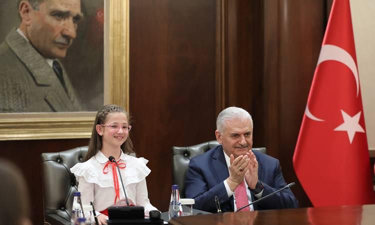 Son çocuk Başbakan Esma Didesu Taşyürek oldu