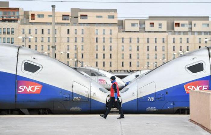 Fransa'da demiryolu grevinin faturası 100 milyon euro