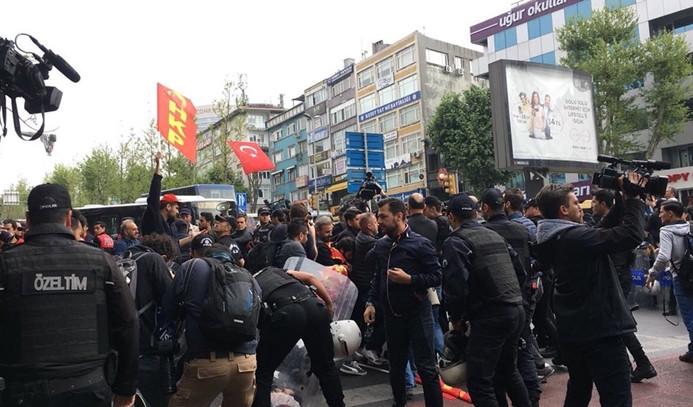 Taksime çıkmak isteyen grup gözaltına alındı