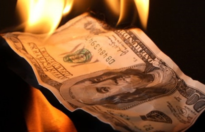 Dolar yeni haftaya yeni rekorla başladı