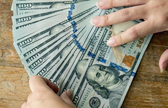 Dolarda yatay seyir izleniyor