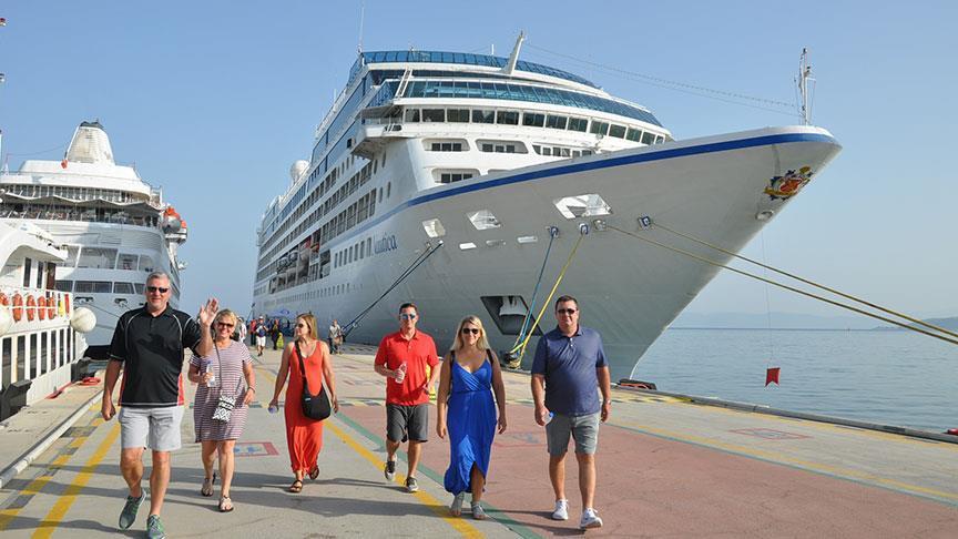 Turist sayısı yüzde 32 arttı