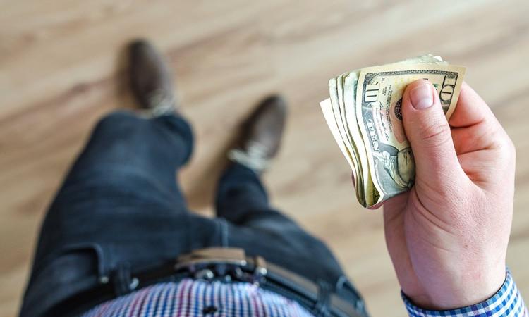 Dolarda 'yüksek tansiyon' sürüyor