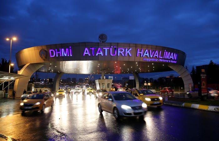 İstanbul'daki yağış hava trafiğini vurdu