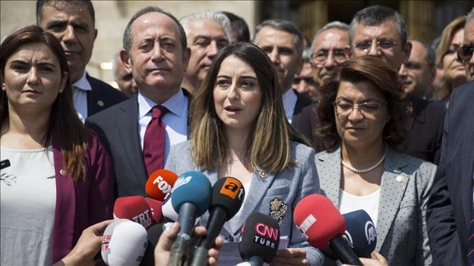 CHP'li 129 milletvekilinden kurultay tartışmalarına tepki