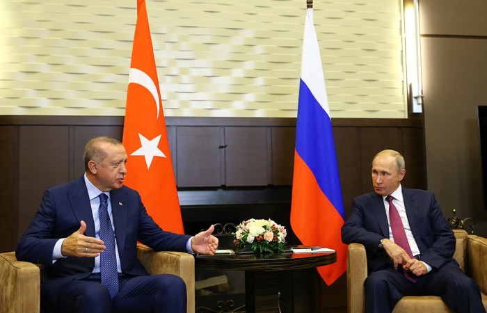 Erdoğan'ın Putin ile görüşmesi başladı