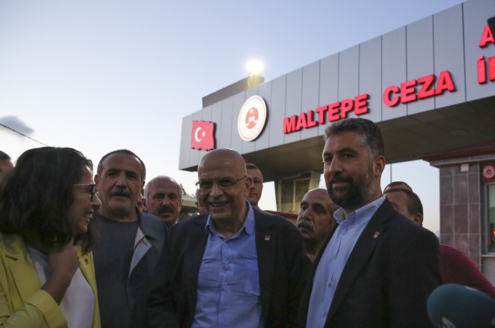 Berberoğlu, cezaevinden tahliye edildi
