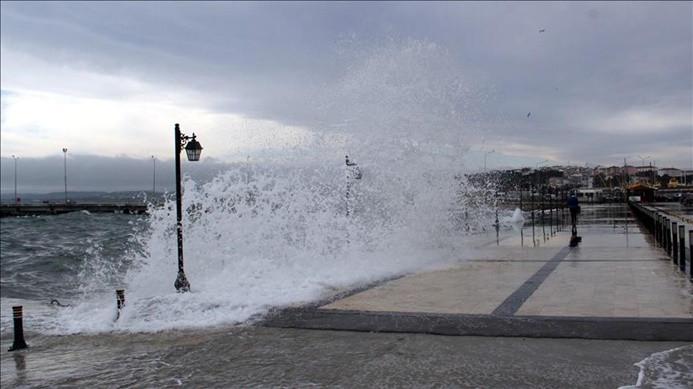 Denizlerde fırtına uyarısı