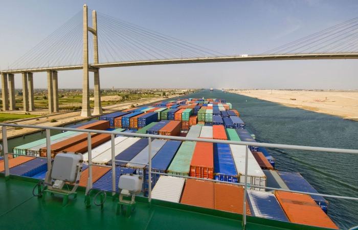 Süveyş Kanalı'nın geliri 6 milyar dolara dayandı