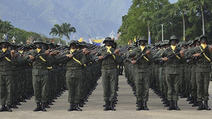Venezuela ordusundan Maduro'ya destek