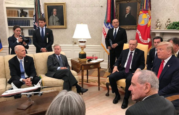 Oval Ofis'te senatörlerle toplantı