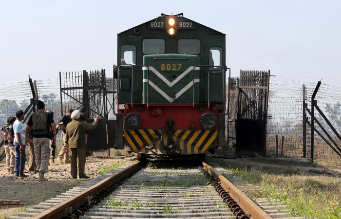 Hindistan-Pakistan arasında tren seferleri durdu