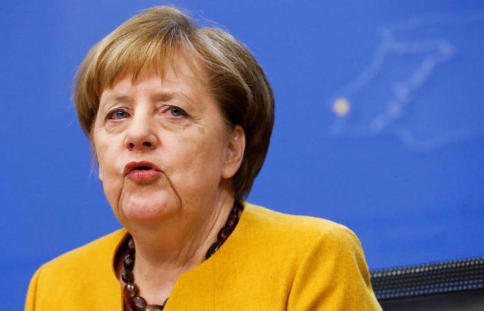 Merkel'den IMF için reform çağrısı