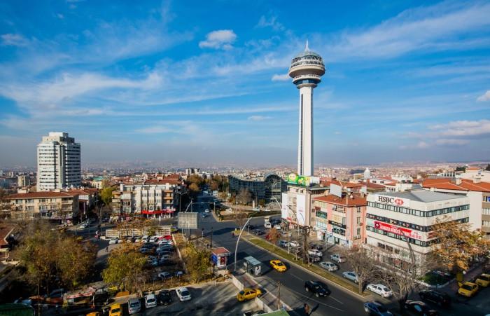 Ankara'da Mansur yavaş önde