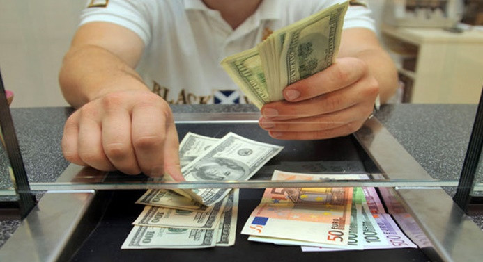 Dolar, S-400 endişesiyle 5.45'e yükseldi