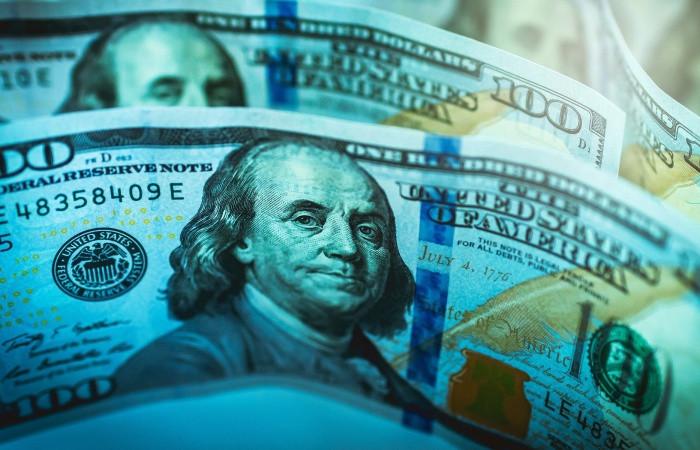 Vatandaş 5 aydır aralıksız dolar alıyor