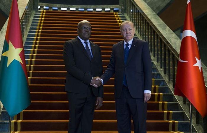 Erdoğan'dan Sudan'daki darbeyle ilgili ilk yorum